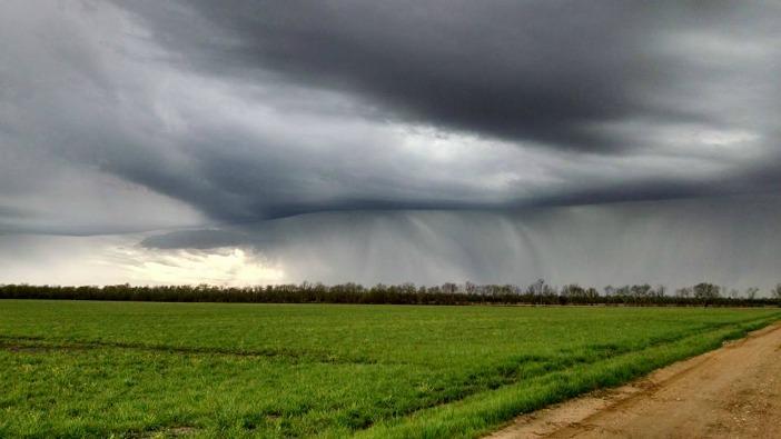 storm pic near ashdown 3-17