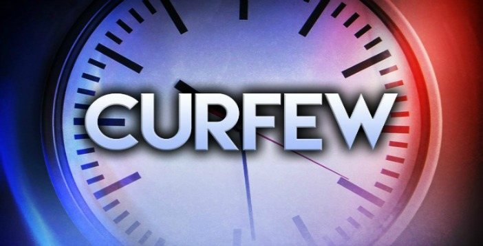 curfews for teens Seeing your teens' curfew as just one part of the baseline of ideas, resources, and rules that you use to guide them will help put it in context for all of you show them that the curfew is part of how you all work together as a family, not just a harsh new attempt to control them.